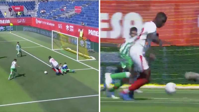 Sevilla's Giant Striker Ibrahima Sow Is Only 12-Years-Old And He's An Absolute Baller